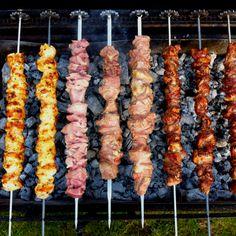Souvlakia -   Cypriot Barbecue Souvlaki Pork, Chicken Souvlaki, Brazilian Restaurant, Cyprus Food, Chicken Cooker, Greek Restaurants, What To Cook, Culinary Arts, Greek Recipes