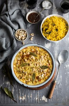 4 Points About Vintage And Standard Elizabethan Cooking Recipes! A Traditional South African Bobotie Recipe With Fragrant Yellow Rice South African Dishes, South African Recipes, Ethnic Recipes, Africa Recipes, Granny Smith, South African Bobotie Recipe, Chutney, Instant Pot, Yellow Rice