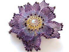 バイオレットのキラキラビーズコサージュ #カザリ咲色 #ビーズ #ビーズフラワー #ビジュー #ハンドメイド #コサージュ #手作り #手芸 #アクセサリー #bead #beads #bijou #beading #beadedflower #beadswork #beadwork #beadsph #bijoux #beaded #biser #corsage #rose #handmade