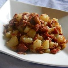 Always loved Corned Beef Hash - crispy on the outside please! Veal Recipes, Corned Beef Recipes, Entree Recipes, Cooking Recipes, Corned Beef Hash Canned, Cooking Corned Beef, Corn Beef Hash, Hotdish Recipes, Breakfast Desayunos
