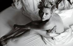 Charlize Theron naked photo