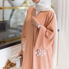 Abaya with pockets Abaya Fashion, Muslim Fashion, Modest Fashion, Estilo Abaya, Mode Outfits, Fashion Outfits, Mode Kimono, Modele Hijab, Mode Abaya