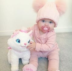 Sweet witch – # witch # sweet – About Children's Clothing Cute Little Baby, Baby Kind, Little Babies, Cute Babies, My Baby Girl, Baby Kostüm, Wiedergeborene Babys, Cute Baby Pictures, Cute Baby Clothes