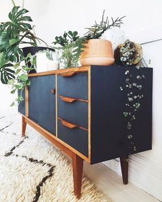Mid Century Modern Apartment Decoration Ideas – Decorating Ideas - Home Decor Ideas and Tips - Page 3 Mid Century Modern Bedroom, Mid Century Modern Furniture, Mid Century House, Midcentury Modern, Mid Century Modern Dresser, Mid Century Sideboard, Danish Modern, Contemporary Furniture, Mid Century Bookshelf