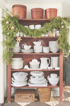 4 Easy DIY Items for Winter Decoration After the holiday, you still have three months of winter to go. Make your DIY winter decoration for the season that still lasts.