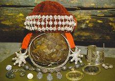 Височные кольца с ажурными бусинами ,колты в виде звёзд,медальоны. znamus.ru