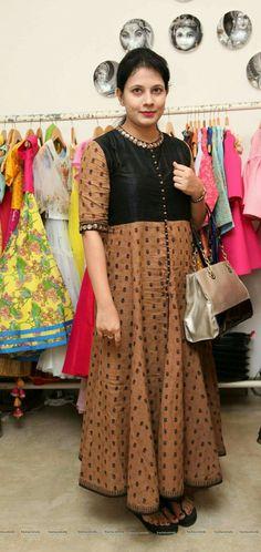 Punjabi Dress, Saree Dress, Designer Gowns, Indian Designer Wear, Kurti Styles, Indian Couture, Indian Dresses, Indian Wear, Dress Patterns