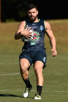 Josh Mansour, Josh Morris and Bryce Cartwright of the New South Wales Blues Hot Army Men, Oscar 2017, Hot Rugby Players, Soccer Guys, Hunks Men, Beefy Men, Rugby League, Men In Uniform, Athletic Men