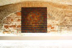 #TBT Bernhard Paul bei der Anna25 Projektausstellung im Juli 2013 in München, im Fotostudio Auen60 studios.  Werk: Bernhard Paul, TCW-2_density_02, 2011, Acryl auf Leinwand, 99 x 99 cm