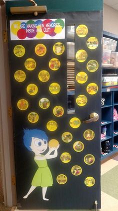 Our end of the year door. Each bubble has a picture from this school year. Our end of the year door. Classroom Organisation, Classroom Setup, Classroom Design, Classroom Displays, Preschool Door, Preschool Classroom, In Kindergarten, Preschool Crafts, Disney Classroom