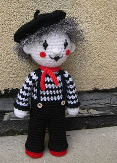 so cute....I need one. I love clowns and mimes