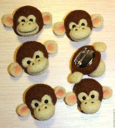 Купить Обезьянка (магнит или брошка) - коричневый, обезьянка, обезьяна, магнит на холодильник, брошь из войлока