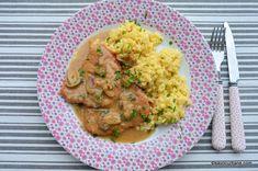 Șnițel cu sos de smântână și ciuperci - rețeta de Rahmschnitzel. Șnițele din cotlet sau pulpă de porc prăjite la tigaie și servite cu sos Wiener Schnitzel, Carne, Risotto, Meat, Chicken, Ethnic Recipes, Pork, Kitchens, Cubs
