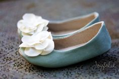 Someone please teach me how to make these pretty little shoes. It's possible because this lady did. So precious.
