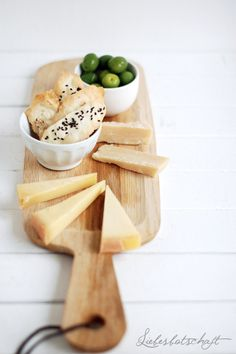 olive oil crackers with fleur de sel, rosemary & sesame seeds