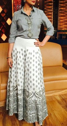 Palazzo pants outfit - Get the ultimate guide on how to create your own designer saree blouses, with all the tops you have in your closet Get the latest on saree drapes and new styles bollywoodfashion bollywoodstyle pu Western Dresses, Indian Dresses, Indian Outfits, Kurta Designs, Saree Blouse Designs, Fashion Pants, Fashion Dresses, Long Skirt Outfits, Indian Designer Outfits