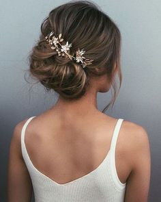 Textured wedding updo hairstyle messy updo wedding hairstyles chignon messy updo hairstyles bridal updo wedding weddinghair weddinghairstyles hairstyleideas updo promhairstyle love the messy bun messy Wedding Dress Necklines, Necklines For Dresses, Best Wedding Hairstyles, Easy Hairstyles, Hairstyle Wedding, Gorgeous Hairstyles, Bridesmaid Updo Hairstyles, Hairstyle Ideas, Creative Hairstyles