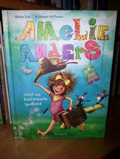 """Kinderbuchtipp der Woche:  """"Amelie Anders"""" von Micha Rau:  Eine Gutenachtgeschichte am Morgen? Abendbrot zum Frühstück? Ein Sandstrand mitten im Zimmer? Bei Amelie ist alles anders. Und wenn sie Mama und Papa in den Elterngarten gebracht hat, geht das Abenteuer erst so richtig los ... Ein lustiges Bilderbuch über die Alltagswelt von Kindern, in dem alles verdreht und auf den Kopf gestellt wird.   Kennen Sie dieses Kinderbuch?  #amelieanders #kinderbuchtipp #lesen #eltern #kinder"""