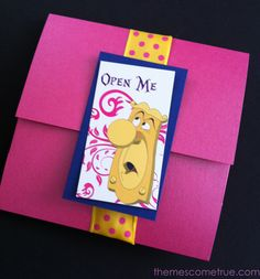 This envelope was used for an Alice in Wonderland party invitation. themescometrue.com