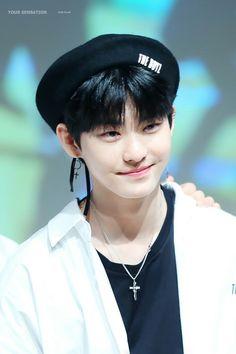 Hwall #baby #hyunjonn #hwall #theboyz