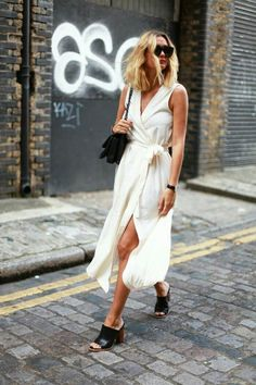 Street fashion, chic details, elegant style, feminine, casual and classy.