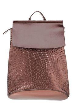 Immer für einen entspannten Bummel durch die Straßen zu haben. Even&Odd Tagesrucksack - copper für 29,95 € (28.12.16) versandkostenfrei bei Zalando bestellen.