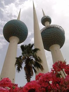 A spectacular view of Kuwait City, the Persian Gulf and an interesting museum dedicated to the attack of Saddam Hussein on the Kuwait Towers.