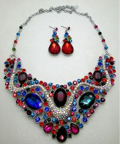 PARADISE MULTICOLORED STATEMENT NECKLACE