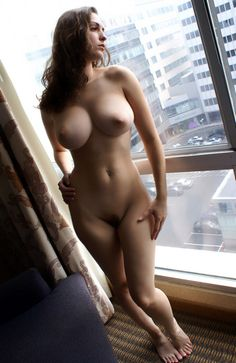 80 hot beutiful female body , very hot photo gallery .