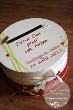 Me voici aujourd'hui avec la tirelire assortie au livre d'or ... Quelles astuces pour organiser votre mariage sur http://yesidomariage.com