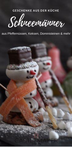 Sind diese Schneemänner nicht absolut süß im wahrsten Sinne des Wortes. Sie können direkt aufgegessen werden, aber eigentlich sind sie dafür fast zu schade. Wie es geht, jetzt auf meinem Blog. Das und viele weitere tolle Geschenke aus der Küche findet Ihr dort. #weihnachten #geschenke #geschenkideen #diy