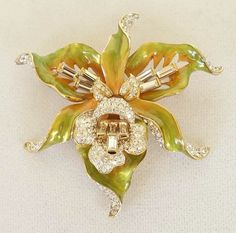 NEW NOLAN MILLER EXOTIC ORCHID ENAMEL & CRYSTAL BROOCH PEACH GREEN & GOLD COLORS #NolanMiller