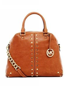 My friends new michael kors bag! Beautiful color!!