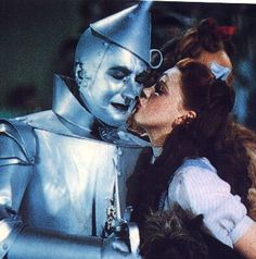 Judy Garland and the Tin Man, in The Wizard of Oz 1939 Wizard Of Oz Quotes, Wizard Of Oz Movie, Wizard Of Oz 1939, Dorothy Wizard Of Oz, Dorothy Gale, Old Movies, Great Movies, Tolkien, Jack Haley