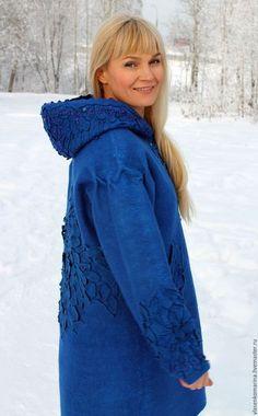 Верхняя одежда ручной работы. Пальто валяное Сияние синего. Марина Власенко. Интернет-магазин Ярмарка Мастеров. Однотонный