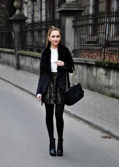 Must Have Outfits Black Pantyhose, Black Tights, Dress Outfits, Fall Outfits, Cute Outfits, Fashion Moda, Womens Fashion, Fashion Trends, Street Chic