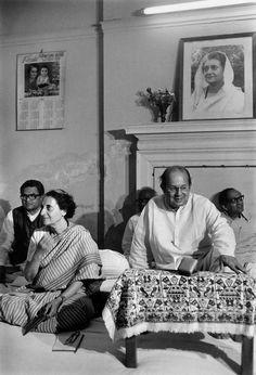 Rajiv Gandhi, Indira Gandhi, Magnum Photos, Indian Celebrities, Iron, Couple Photos, Lady, Pictures, Painting