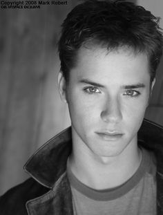 Jeremy Sumpter...can't believe this kid was peter pan