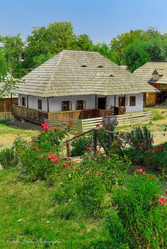 Old House,Bucovina.Romania by Catalin Ionita Cabin Plans, House Plans, Old Country Houses, Traditional House, New Homes, House Design, House Styles, Cottages, Buildings
