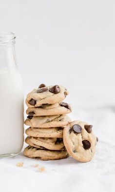 These easy and favorite cookie bake, peanut butter milk chocolate chip cookies w. These easy and favorite cookie bake, peanut butter milk chocolate chip cookies will win the heart o Baking Recipes, Cookie Recipes, Dessert Recipes, Pavlova, Milk Chocolate Chip Cookies, Chocolate Chips, Sauce Creme, Cheesecake, Homemade Chocolate