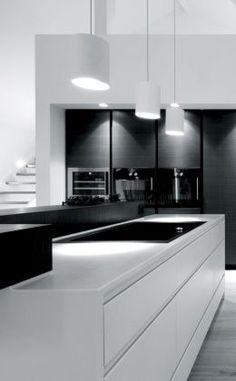 Black and white - modern kitchen design, which scores with contrasts. // Black and white - modernes Küchen-Design, welches durch Kontraste punktet. Interior Design Minimalist, Modern Kitchen Design, Interior Design Kitchen, Kitchen Designs, Interior Office, Luxury Interior, Modern Design, Modern Kitchen Lighting, Big Design