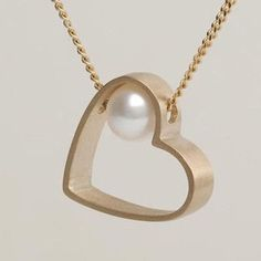 Yellow Gold Plated Freshwater Pearl Pendant Chain Necklace 925 Sterling Silver - List of the most beautiful jewelry Modern Jewelry, Metal Jewelry, Pendant Jewelry, Fine Jewelry, Jewelry Necklaces, Jewelry Making, Jewelry Armoire, Necklace Ideas, Statement Necklaces