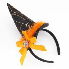 Weave a wicked web with this Halloween-themed headband. Halloween Costumes To Make, Halloween Goodies, Halloween Fashion, Halloween Spider, Diy Halloween Decorations, Halloween Themes, Fall Halloween, Halloween 2020, Halloween Headband