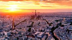Dreaming of an Eiffel Tower view next time you're in Paris? These are the best Paris hotels with a view, many with romantic balconies. Hotels near the Eiffel Tower, Arc de Triomphe, Louvre and more. Paris Hotels, Air France, Tour Eiffel, The Tourist, Places To Travel, Places To See, Tour Montparnasse, Rio Sena, Pont Paris