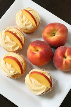Peach Cupcakes w/ Peach Cream Cheese Frosting. I am thinking Vanilla cupcakes with the peach cream cheese icing:) 13 Desserts, Delicious Desserts, Dessert Recipes, Yummy Food, Dessert Healthy, Cupcake Recipes, Frosting Recipes, Yummy Yummy, Delish