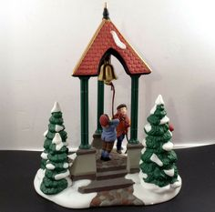 Dept 56 Snow Village Holly Tree Retired Porcelain w// Box /& Foam