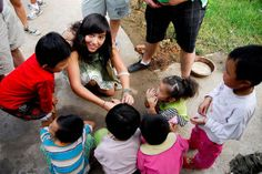 Tips to get started on voluntourism.