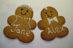 Baker in the family? Make these cute bride and groom gingerbread people for favours! #wedding