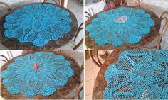 Arte em Crochet: Motivo abacaxis em centro de mesa azul