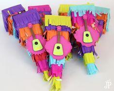 """DIY Piñata Favor Boxes sure to be a """"hit"""" at your next fiesta - Pinata Week!"""